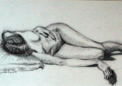1977 woman resting-38x20cm-pencil charcoal copia